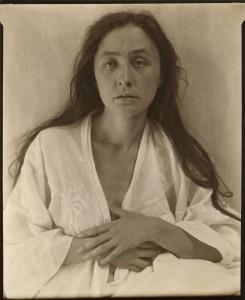 Alfred Stieglitz. Georgia O'Keeffe, 1918. The Art Institute of Chicago. Alfred Stieglitz Collection.
