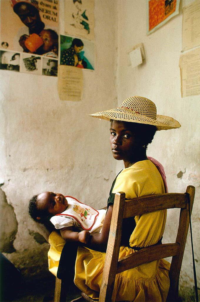 Ketelie Regis and her baby, Haiti, 1987. Photo: © James P. Blair.